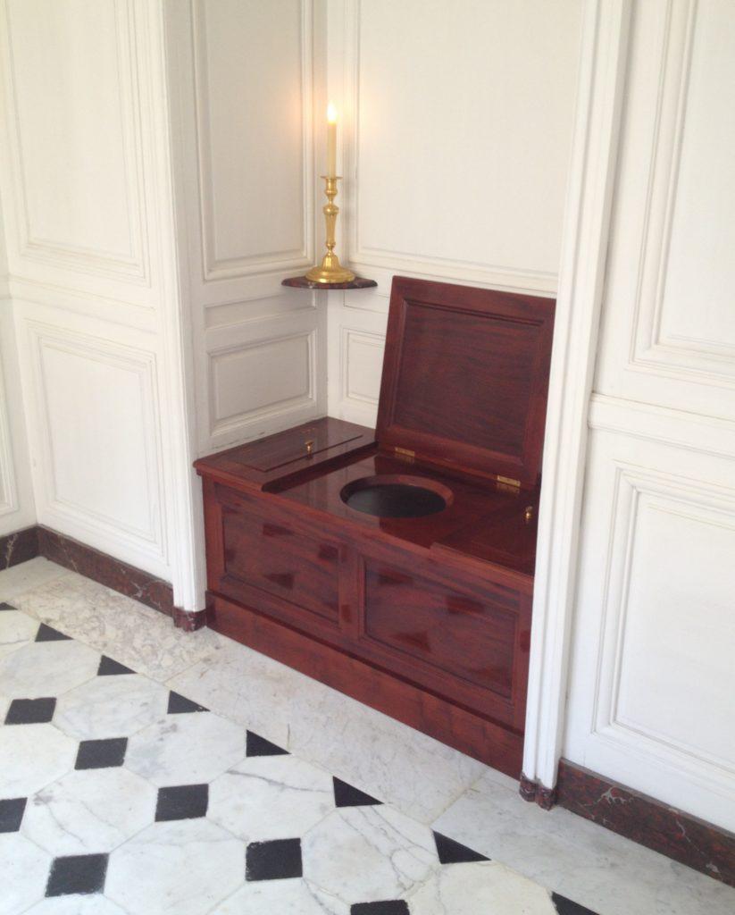 Toilet Versailles--ban